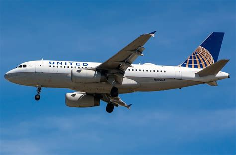 Airbus A319-100 United Airlines